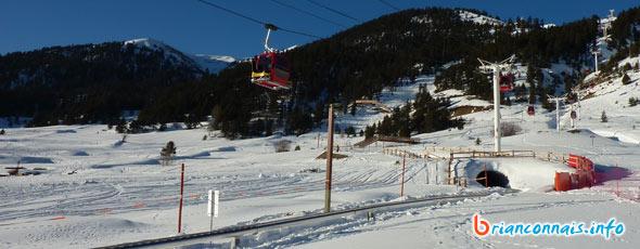 le bas de la piste en hiver