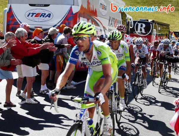 Ivan Basso emmené par Sylvester Szmyd